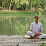 Esta imagen tiene un atributo ALT vacío; su nombre de archivo es meditation-by-the-lake-55721299753723Ly4-150x150.jpg